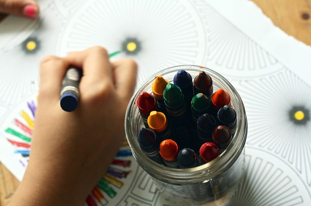 jar of crayons used for coloring